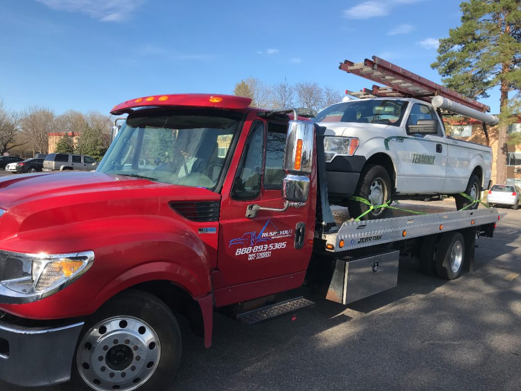 Minneapolis Towing - Northeast Minneapolis MN - work truck flatbed towing